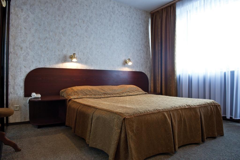 ремонт стен гостинице