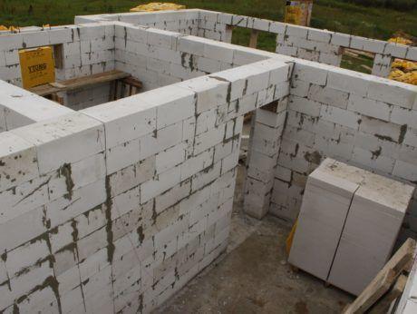 наружные стены из пеноблоков