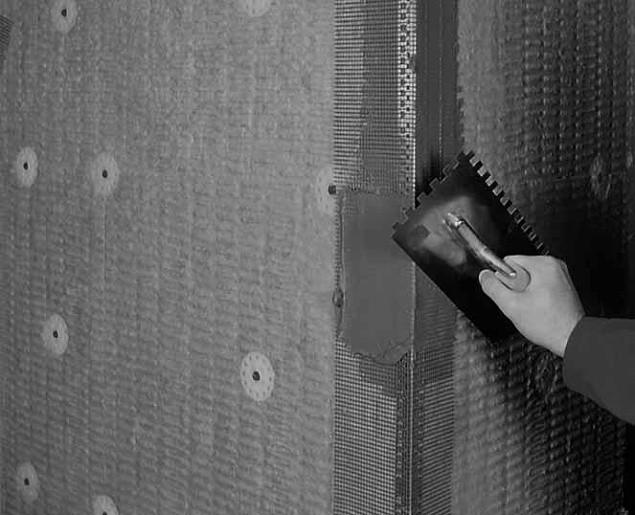 монтаж уголков стен