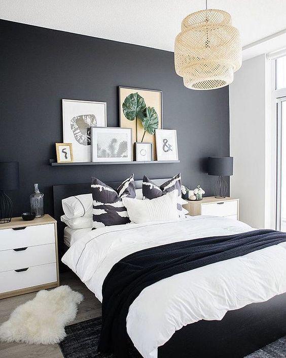 черная акцентная стена в спальне