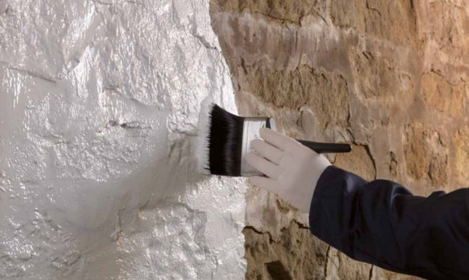 как наносить штукатурку под бетон