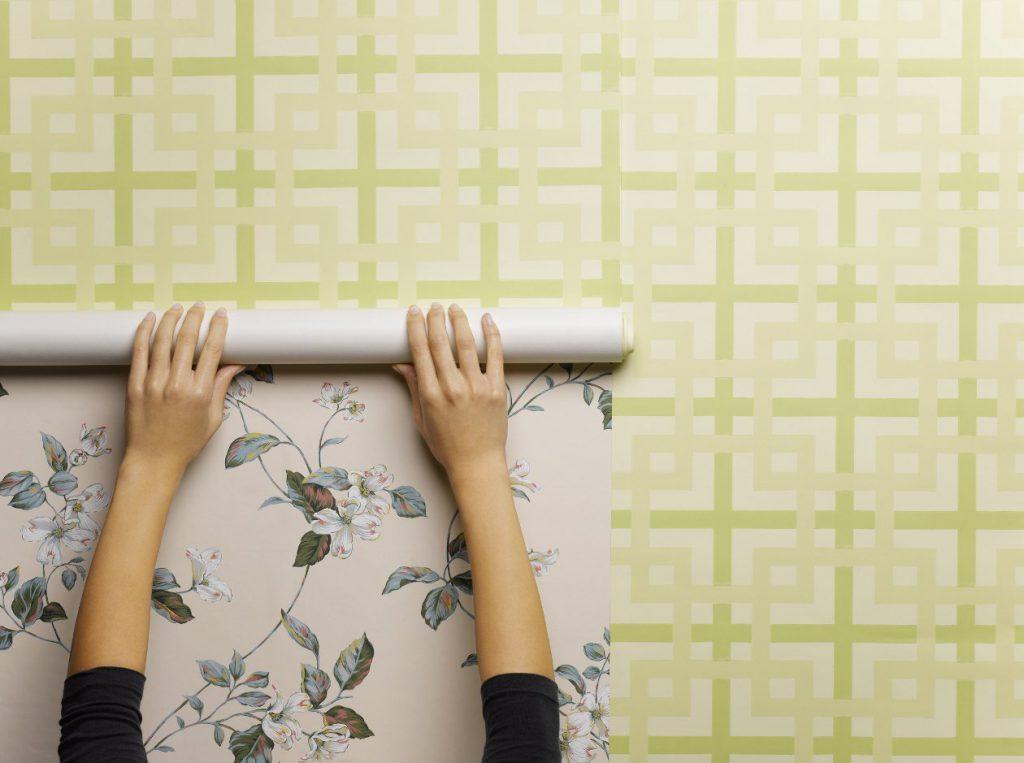 клеим бумажные обои флизелиновым клеем