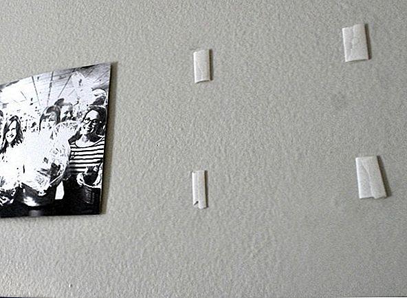 крепление стекла к стене