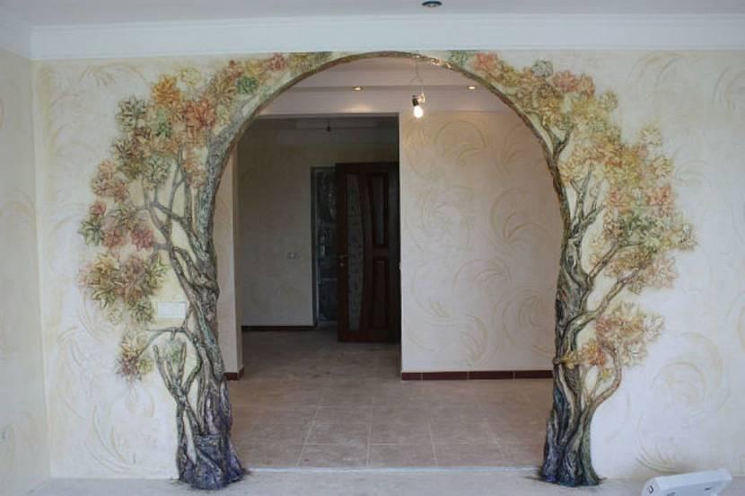 обклейка арки обоями